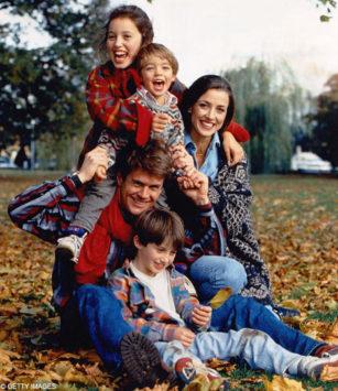Keluarga (Ber)bahagia happy family 3