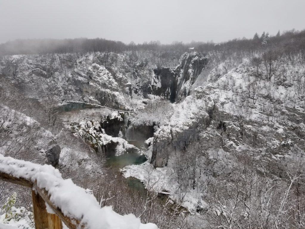 Salju di Plitvice Lake, Kroasia Plitvice Lake Winter Snow Croatia 2 1