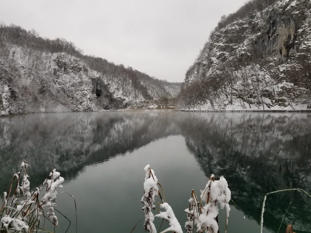Salju di Plitvice Lake, Kroasia Plitvice Lake Winter Snow Croatia 4 3