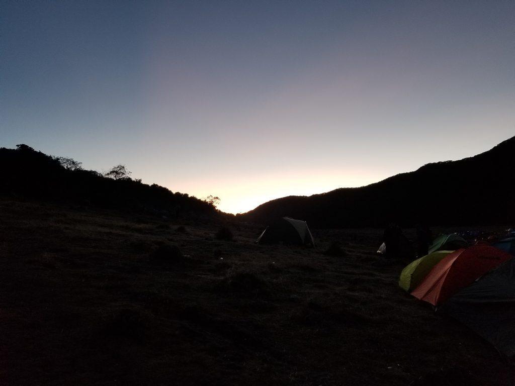 Pendakian Gunung Gede: Putri Lintas Cibodas - Menuju Surya Kencana (2/3) Matahari Terbit di Surya Kencana Gunung Gede 17