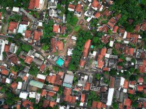 7 Alasan Orang Indonesia Tidak Sukses / Berkembang aerial photography of town 1131863 4