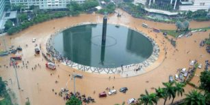Jakarta Tenggelam? Banjir Jakarta 2007 1