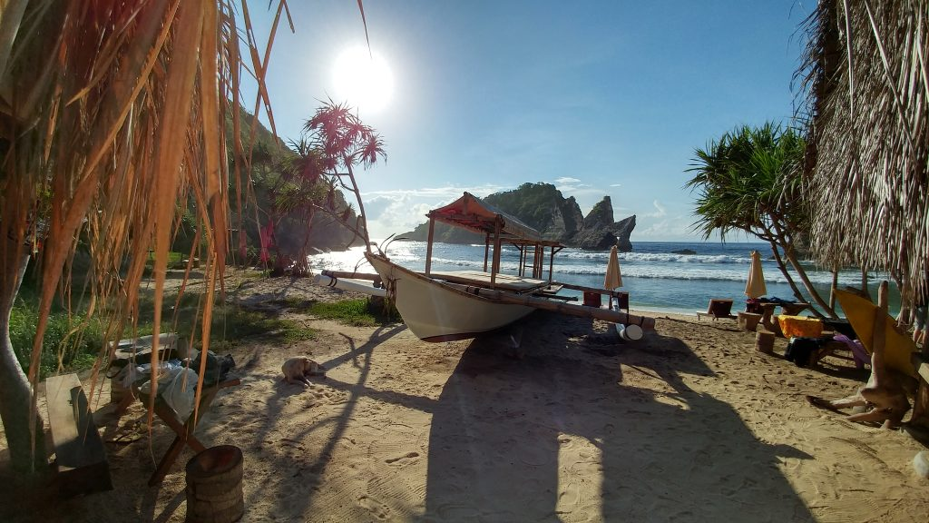 Atuh Beach, Nusa Penida - Oleh Herwin.