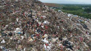 Sampah Sumbang Peran Pemanasan Global Tumpukan Sampah 2