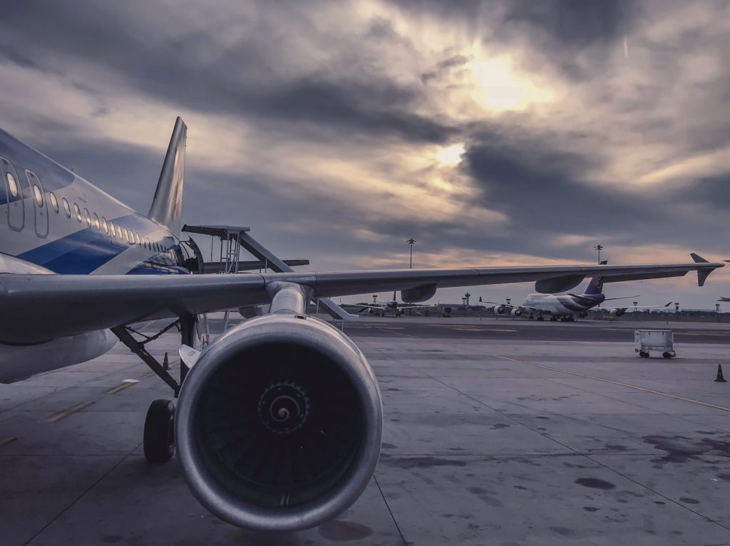 Dampak Ekonomi COVID-19 Terhadap Penerbangan